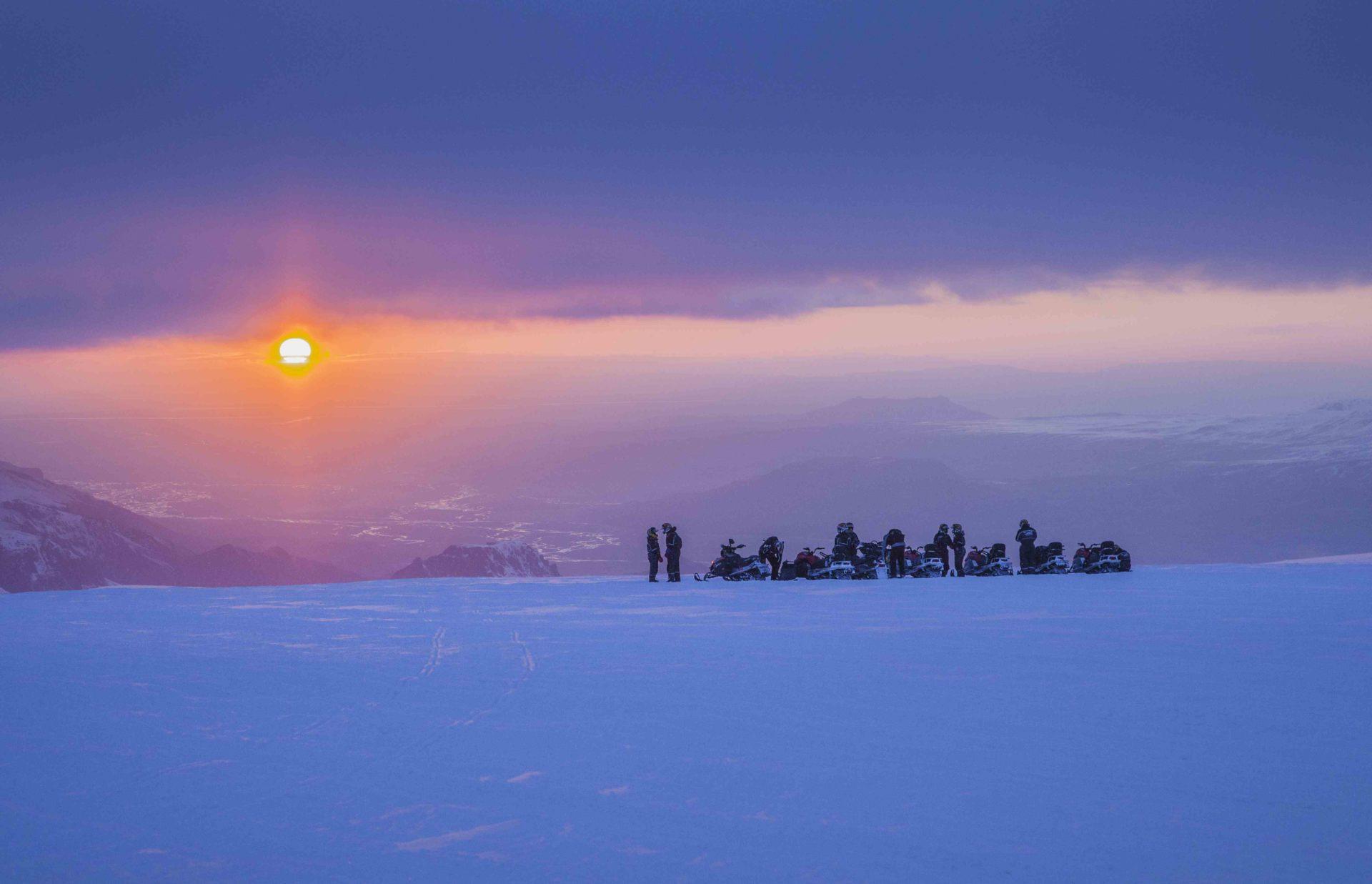 Sininen hetki jäätiköllä. (Kuva: Björgvin Hilmarsson)