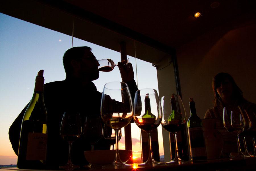 Jean Leon -viinitilan viininmaistajaisissa. © tripsteri.fi / Tuulia Kolehmainen