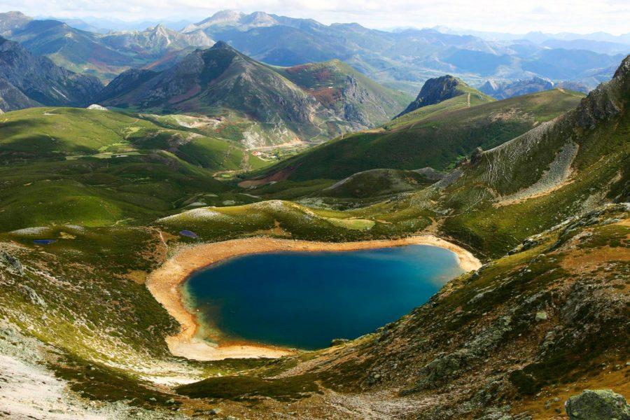 Ausente-järvi, Picos de Europa -vuoristossa. Kuva: Luisangel, flickr.com, CC BY-SA 2.0