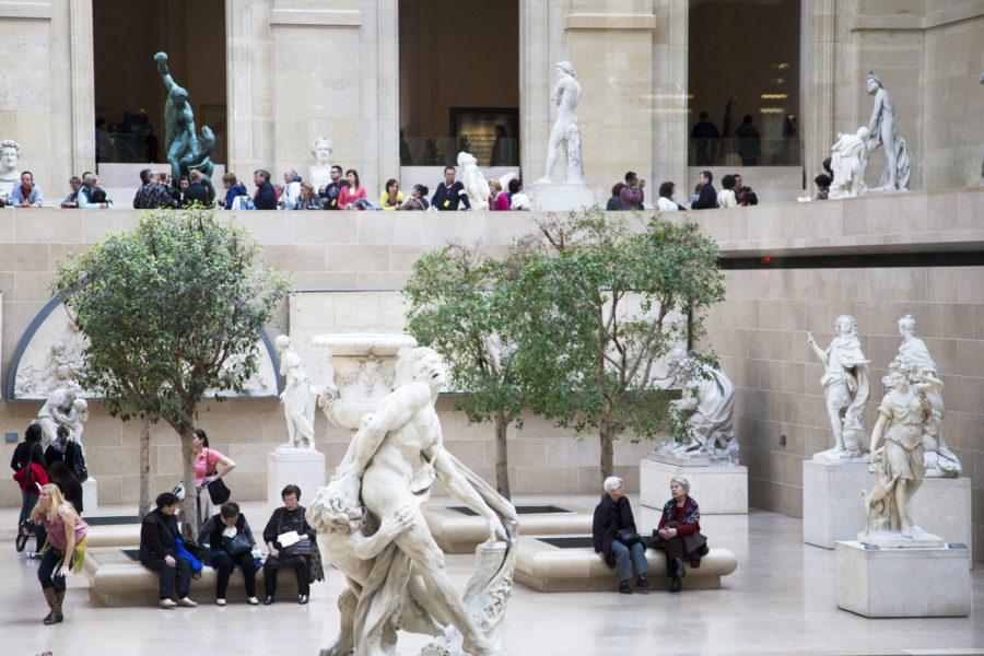 Patsastelua Louvressa. © tripsteri.fi / Anuliina Savolainen