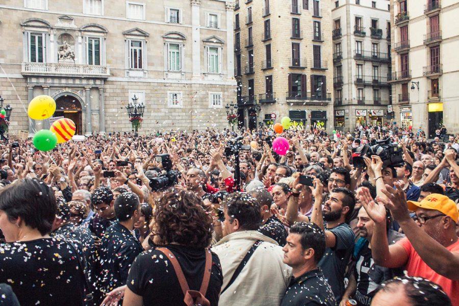 Ada Colaun virkaanastujaiset 2015. Kuva: Barcelona En Comú, Marc Lozano, flickr.com, CC BY-SA 2