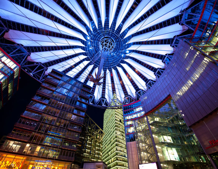 Futuristinen Sony Center Potsdamer Platzilla. © André P. Meyer Vitali, Flickr, CC by 2.0
