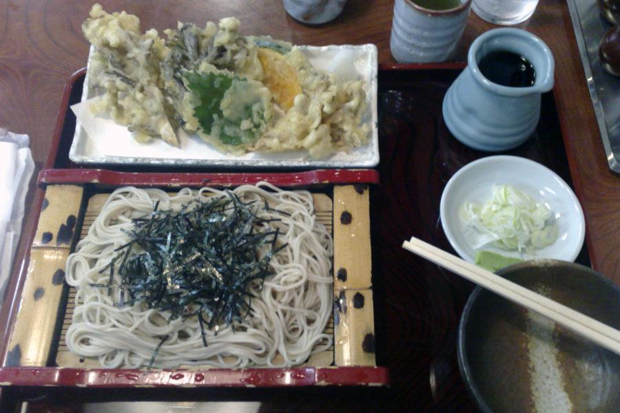 Sobaa ja tempuraa. Kuva: Mace Ojala