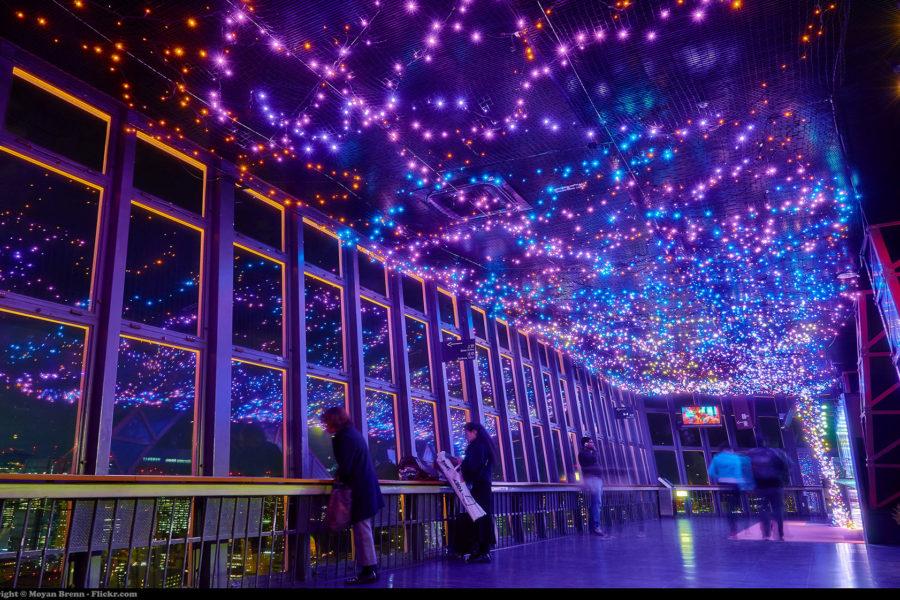 Talven valoshow täyttää kaupungin. Kuva: Moyan Brenn, flickr.com, CC