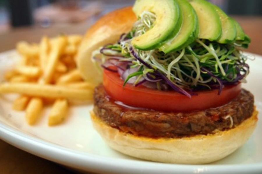 Tokiossa on myös herkullisia kasvisburgereita. Kuva: islandveggie.com