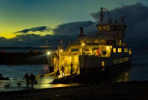 Skotlannin saaria ja mannerta nivovat toisiinsa ahkerasti kulkevat lautat. Kuva: Robert Brown, flickr.com, CC BY-SA 2.0