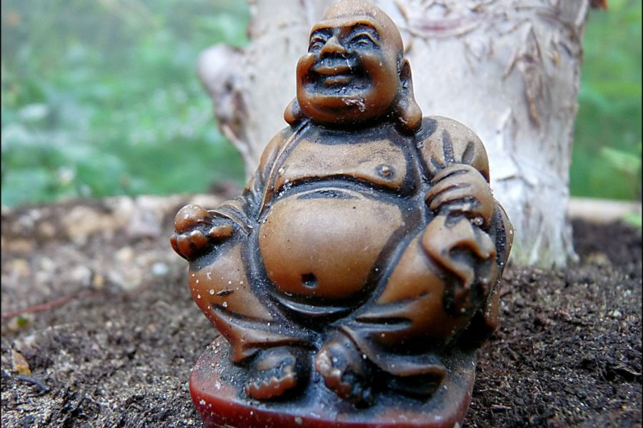 Buddhalaisella Hotei-jumalalla on joulupukin maine. Kuva: Hornbeam Arts, CC BY-SA 2.0.
