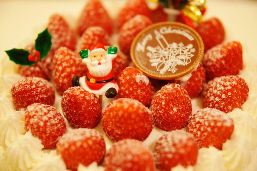Moni kakku päältä jouluinen. Kuva: orange kuma, flickr.com, CC BY-SA 2.0.