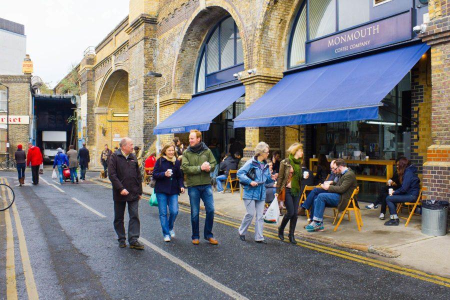 Kahvila Bermondseyn Maltby Street Marketin kupeessa ©Milla Kontkanen