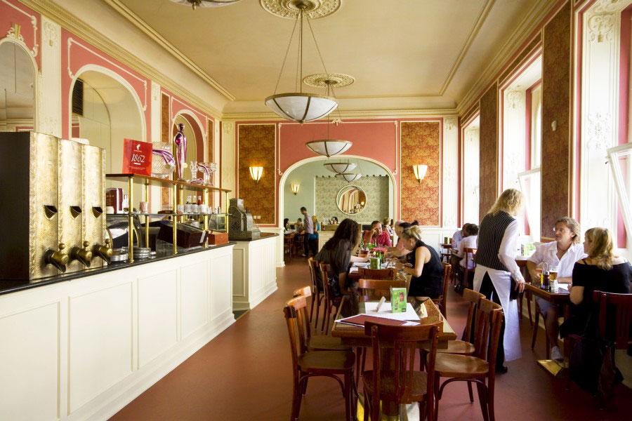 Aamiainen Prahassa