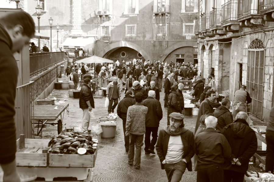 Catanian kalatorin tunnelmaa © Simona Salerno Flickr.com/photos/simona_ss/