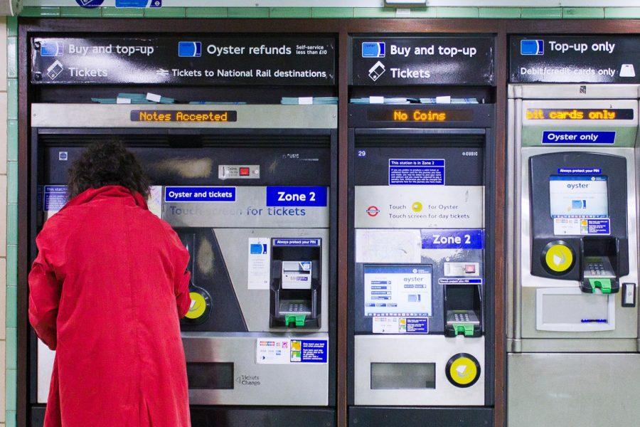 Lontoon metron lippuautomaatteja © Milla Kontkanen