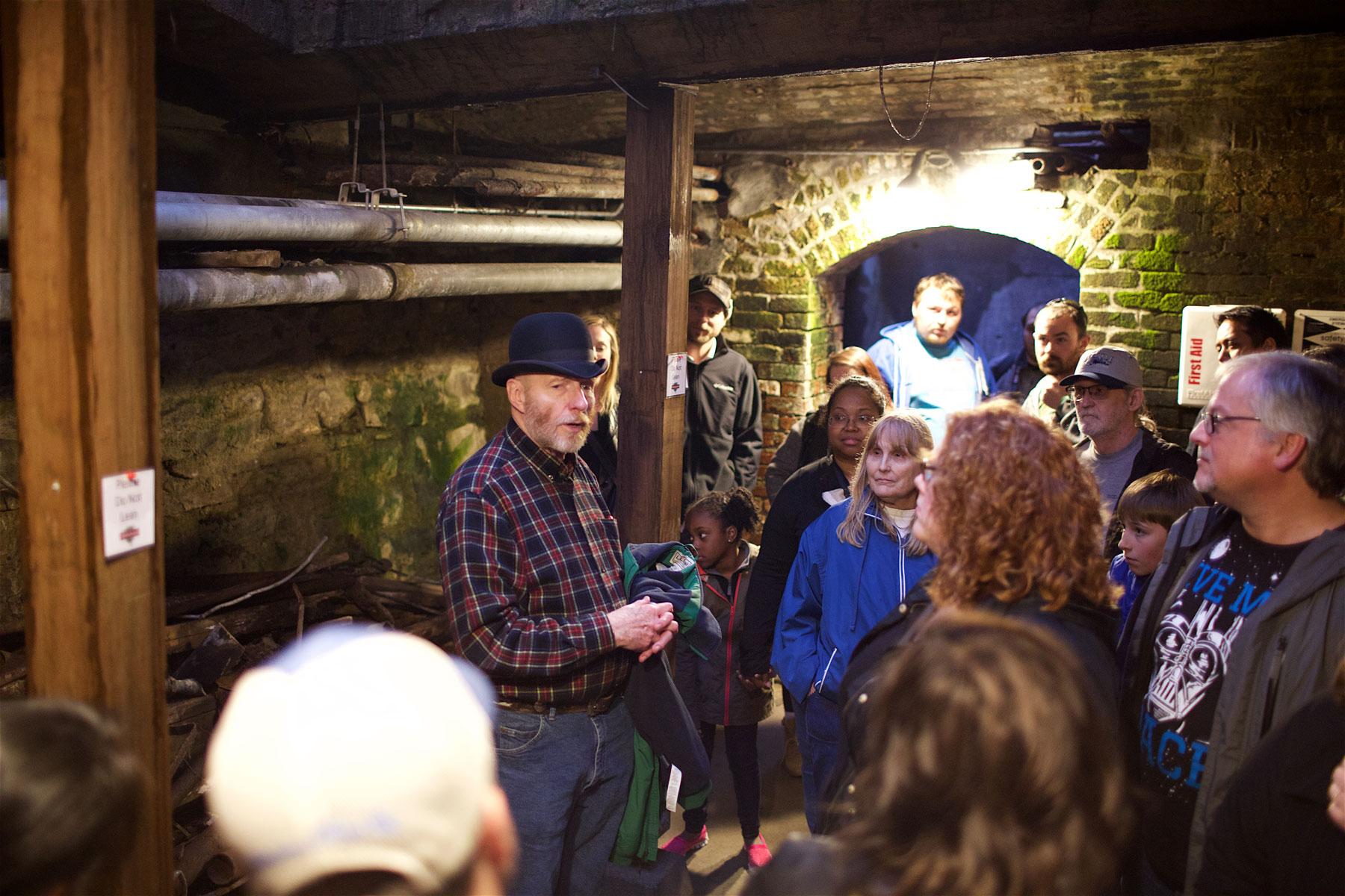 Underground Tour on viihdyttävä esitys Seattlen historiasta. © Alex Kampion/tripsteri.fi