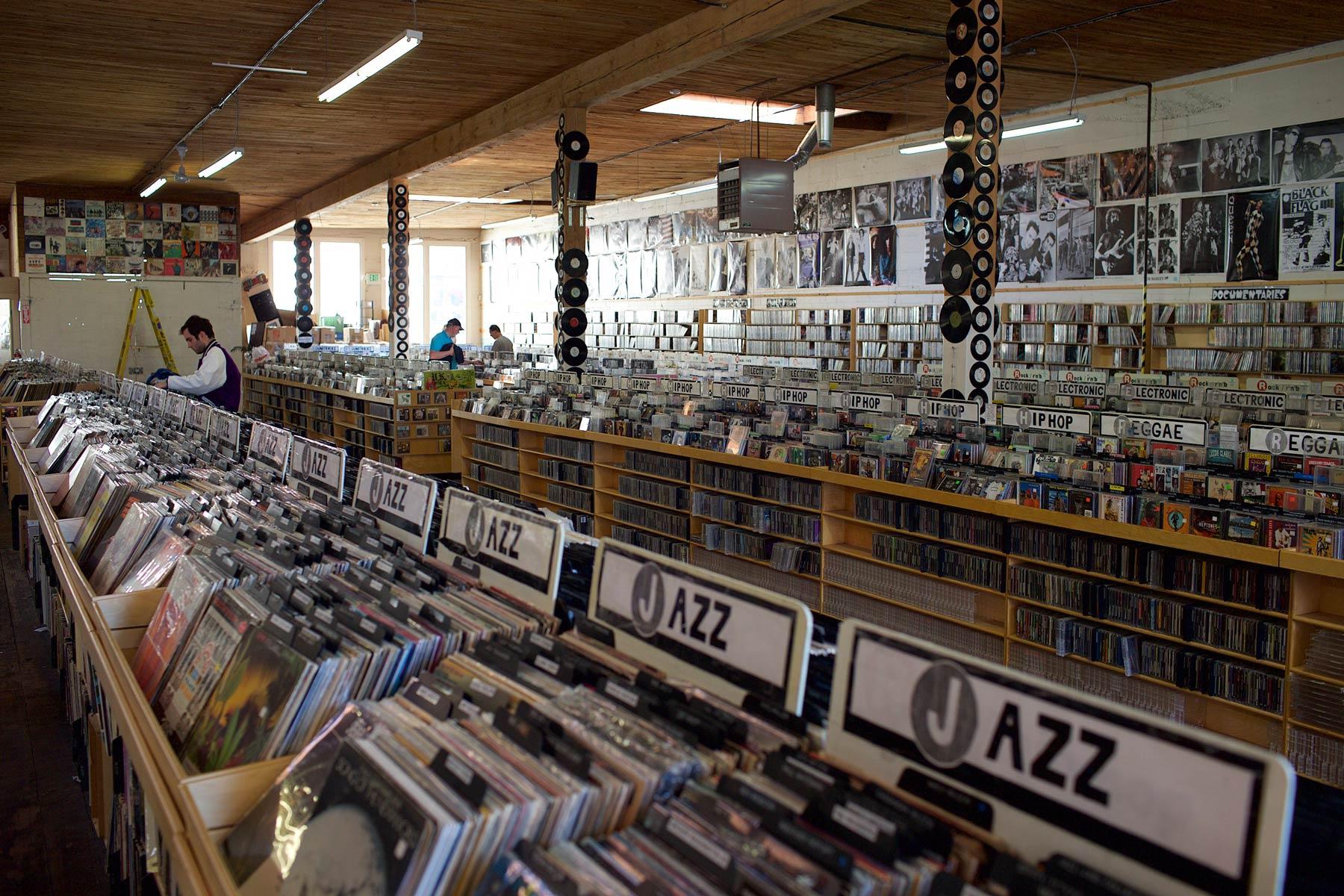 Everyday Music -levykaupan valikoimassa on yli satatuhatta levyä. (c) Alex Kampion/tripsteri.fi