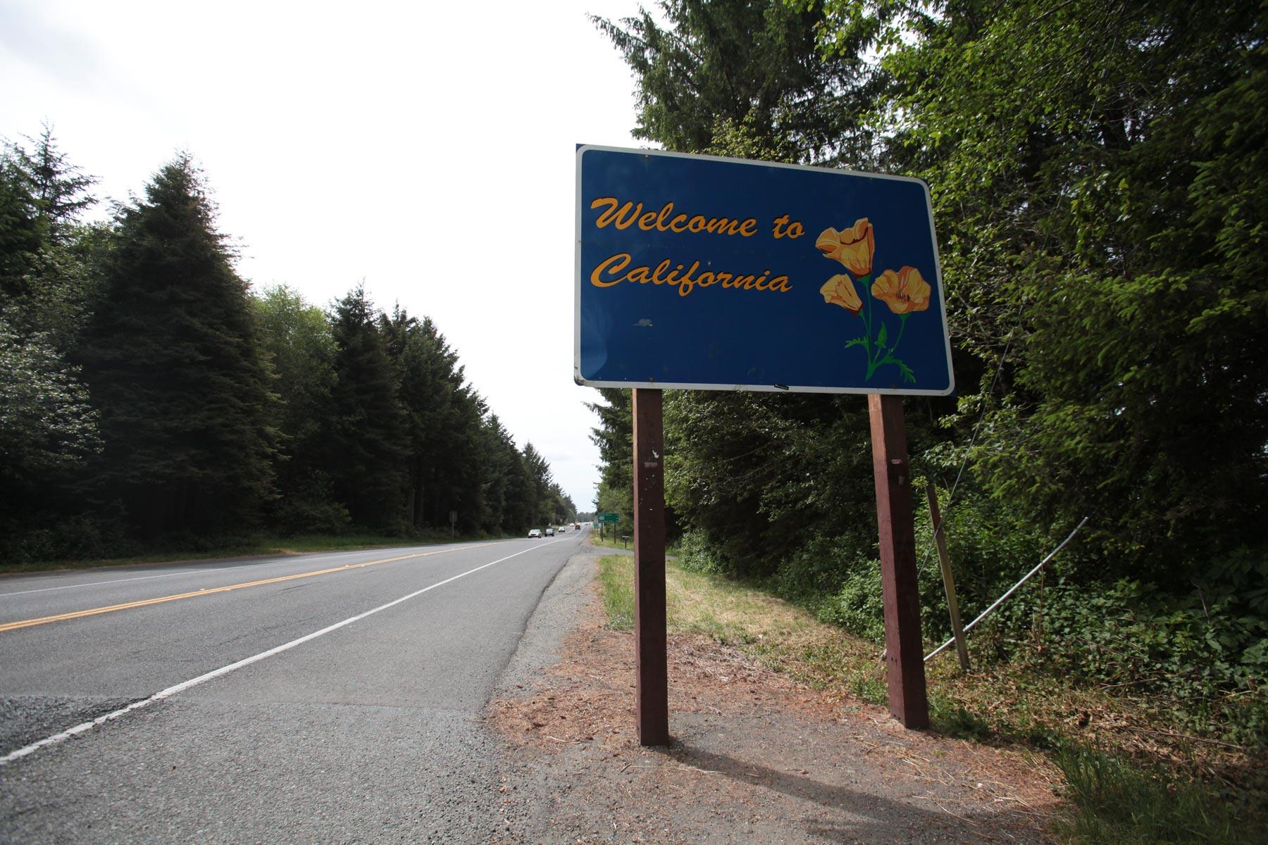 Selfie-pysäkki Oregonin ja Kalifornian rajalla. (c) Teea Jokihaara /tripsteri.fi