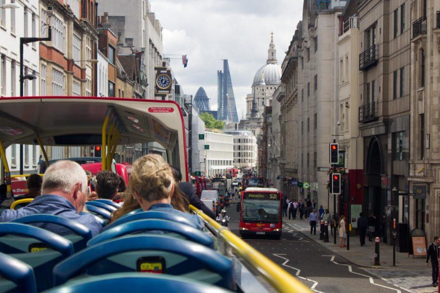 Lontoon kiertoajelu kulkee Fleet Streetiä pitkin © Milla Kontkanen