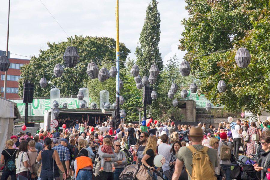 Mutaveijarit esiintyivät perhesunnuntaissa. Flow Festival 2016 © tripsteri.fi / Tuulia Kolehmainen