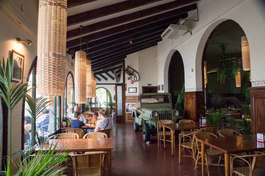 El Club dels Aventurers -ravintolalla on hienot puitteet, mutta laadussa on parantamisen varaa. © tripsteri.fi / Tuulia Kolehmainen