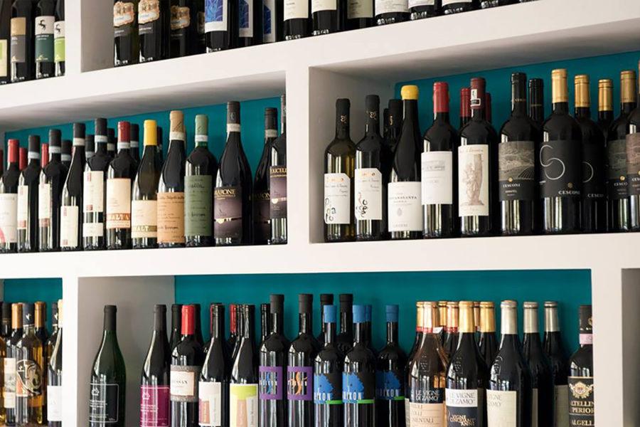 Vaikuttava viinivalikoima © Enoteca Vigneto
