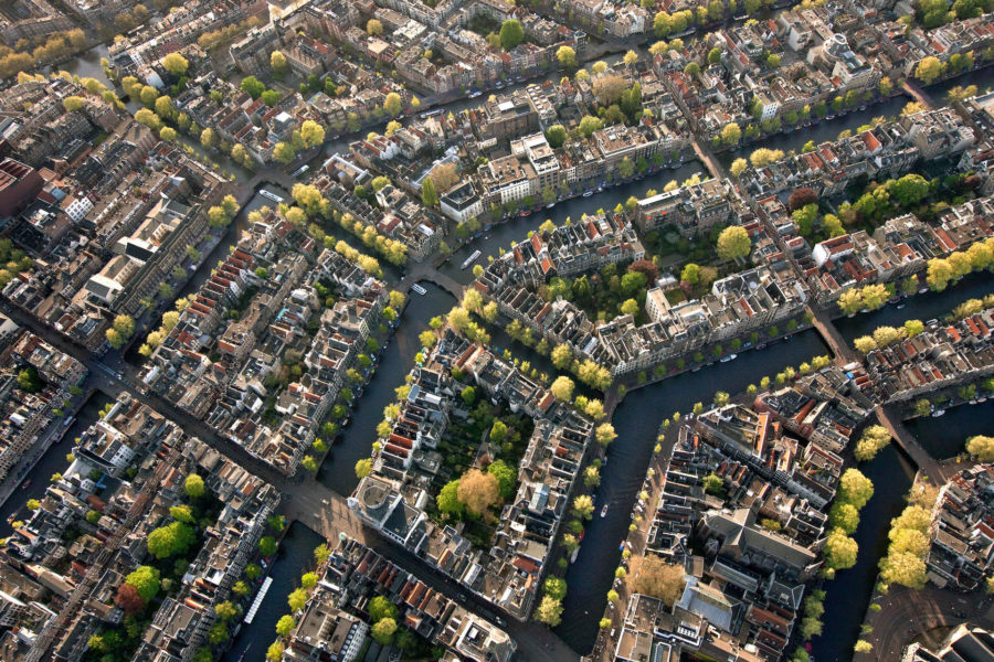Amsterdamin pääkanavat Singel, Herengracht, Keizersgracht ja Prinsengracht ovat kaivettu 1600-luvulla, Amsterdamin kulta-ajalla. © Cris Toala Olivares