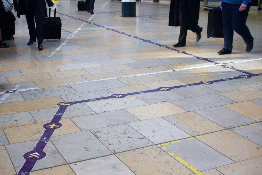 Lentokenttäjunan löytää Paddingtonin asemalta, kun seuraa lattian nuolia © Milla Kontkanen
