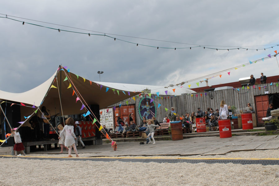 Pllek -kahvila sopii hyvin lapsiperheille © Jasmina Toivonen