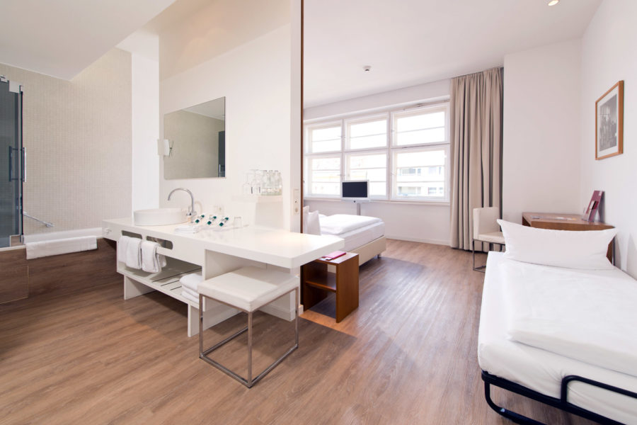Ellington Hotelin deluxe-huone. © Andreas Rehkopp