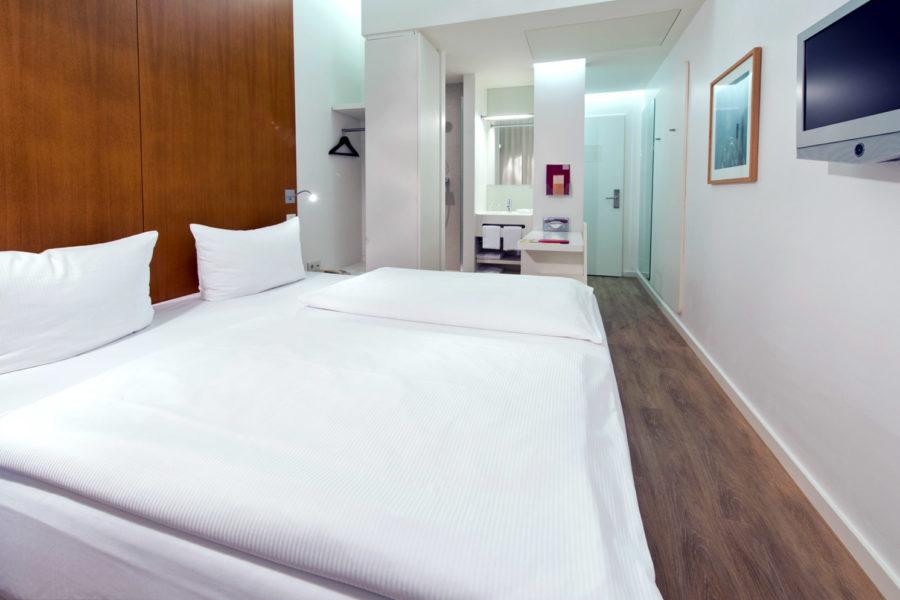 Ellington Hotelin standardihuone. © Andreas Rehkopp
