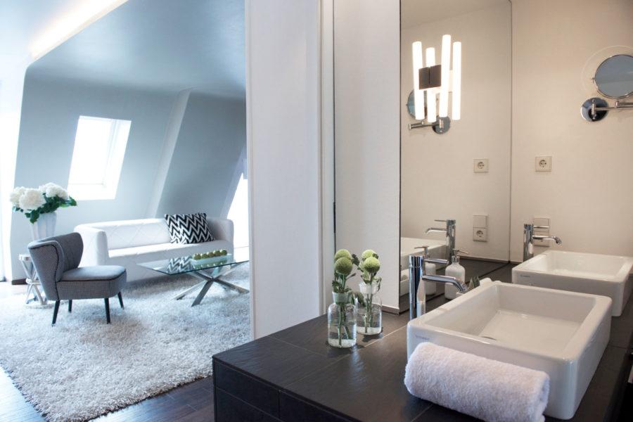Q!-hotellin penthouse-sviitti.
