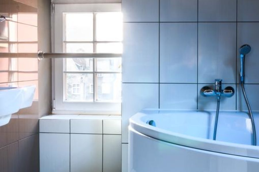 Kylpyhuone ammeella ©Artus Hotel