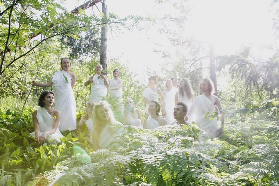 Kumpulan metsäteatterissa esitettii kesällä 2016 esitys Jumalten pyykkipäivä. Kuva: Inari Sandell
