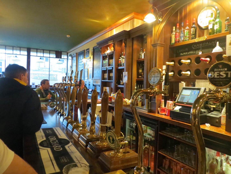 Bennets Bar. ©alljengi, Flickr CC BY-SA 2.0