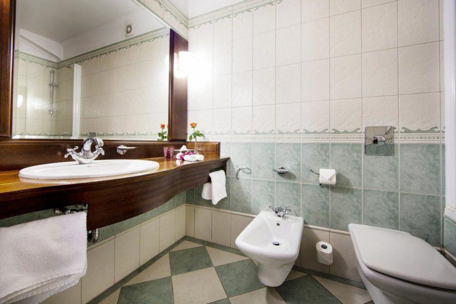 Kylpyhuone ©Hotel Haffner