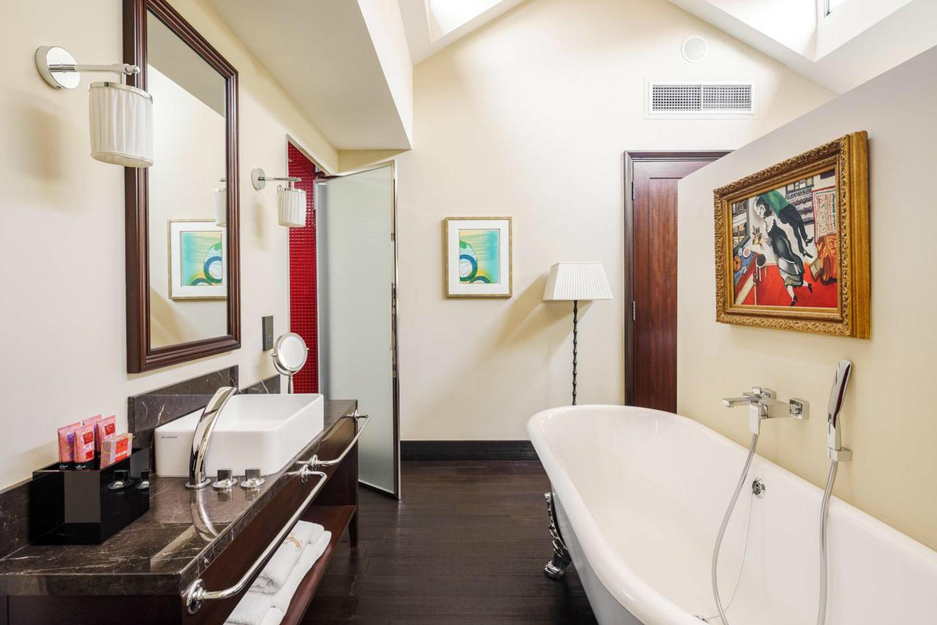 Kylpyhuone The Vagabond Clubin kattohuoneistossa. Kuva: The Vagabond Club