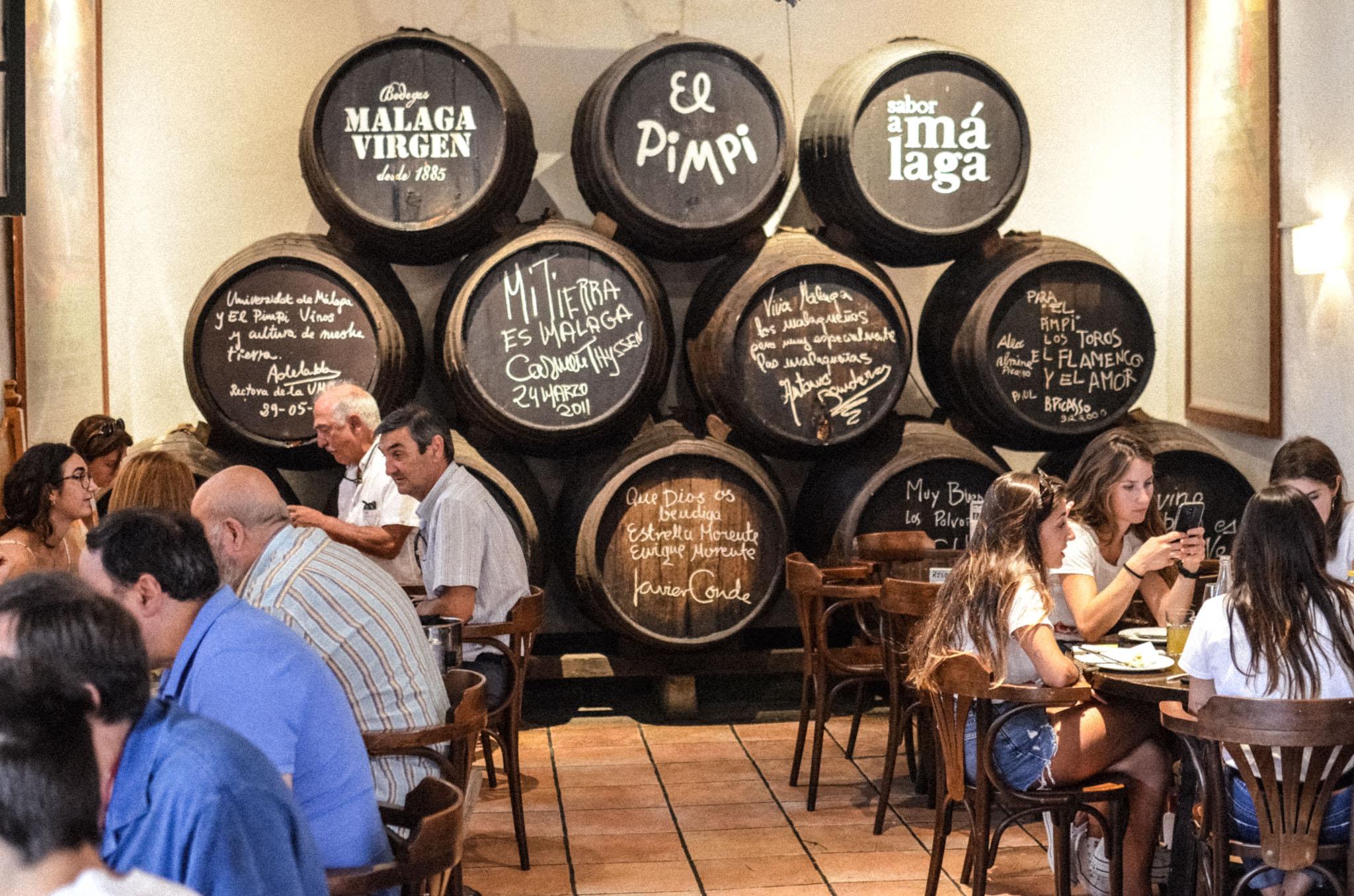 Malagan perinteinen ravintola El Pimpi