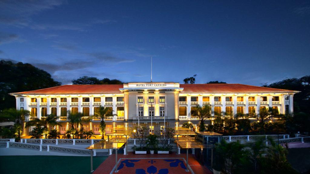 Luksushotelli Hotel Fort Canning puiston ympäröimänä. Kuva: Hotel Fort Canning