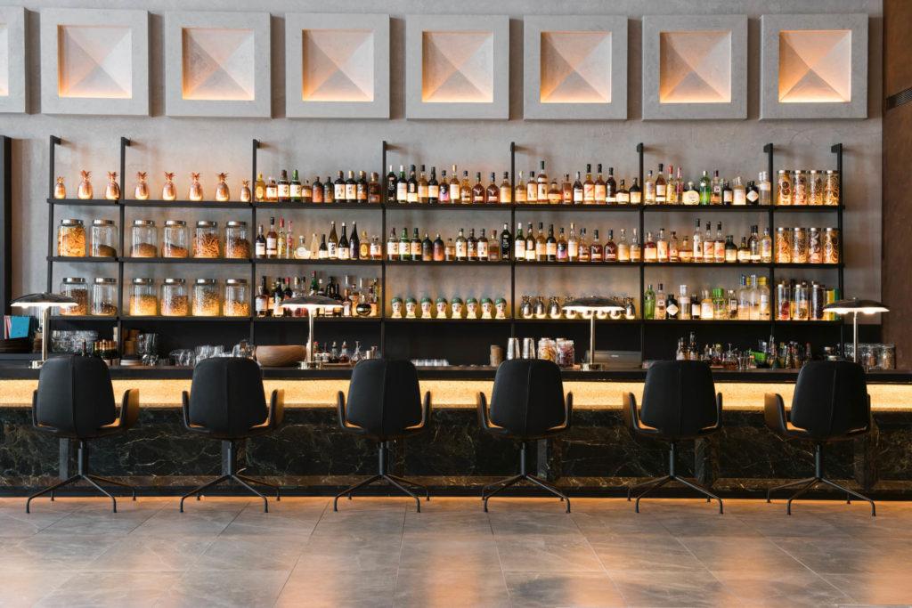 The Warehouse Hotellin baari on tunnettu cocktaileistaan. Kuva: The Warehouse Hotel