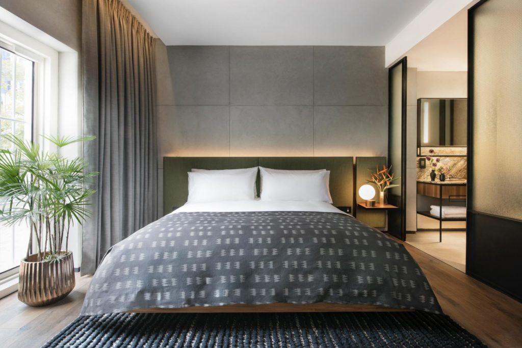 Warehouse hotellin Riverside huoneista on näkymät Singapore joelle. Kuva: The Warehouse Hotel