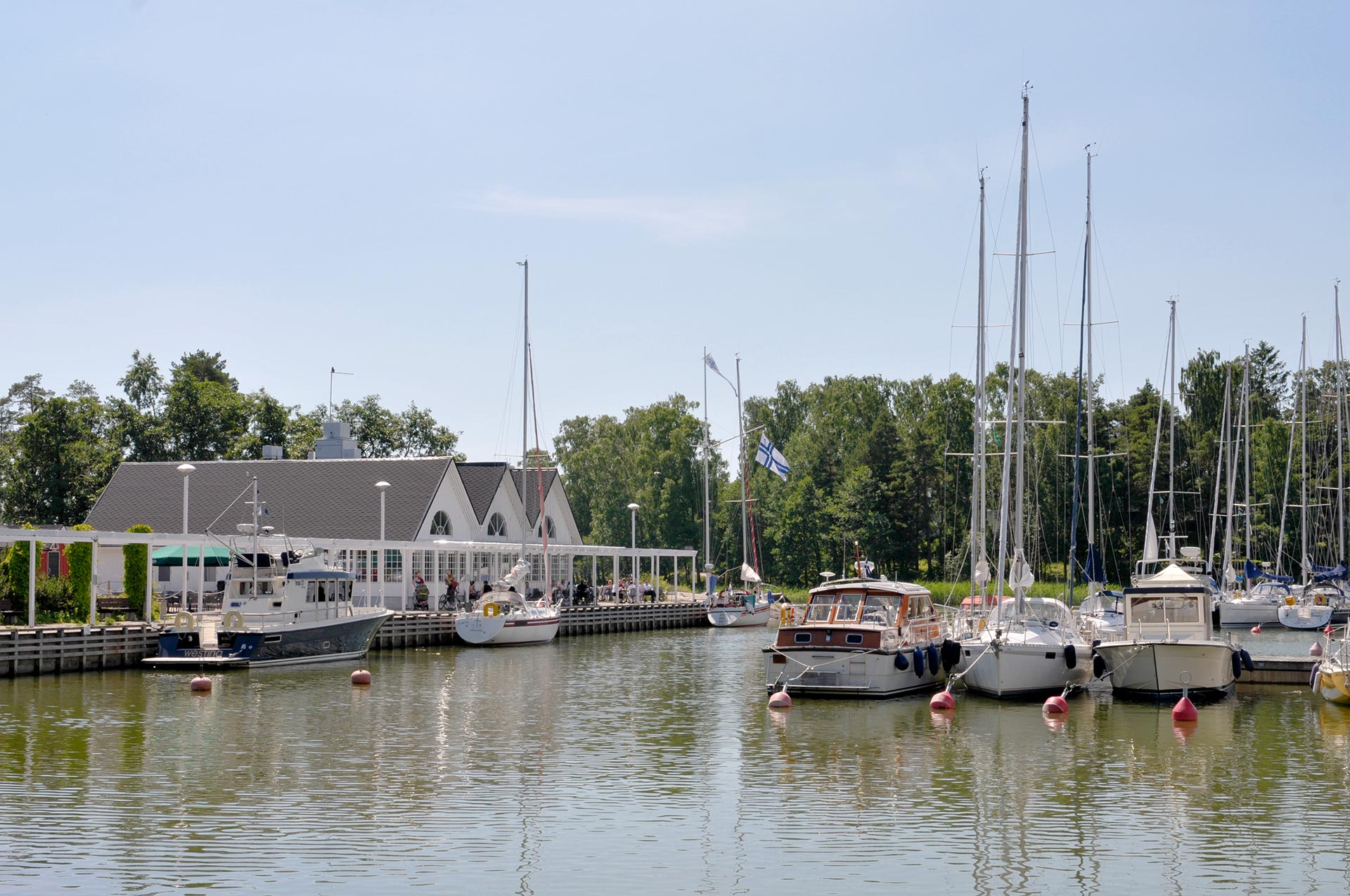 Haukilahden satama ja paviljonki © Tommi Heinonen