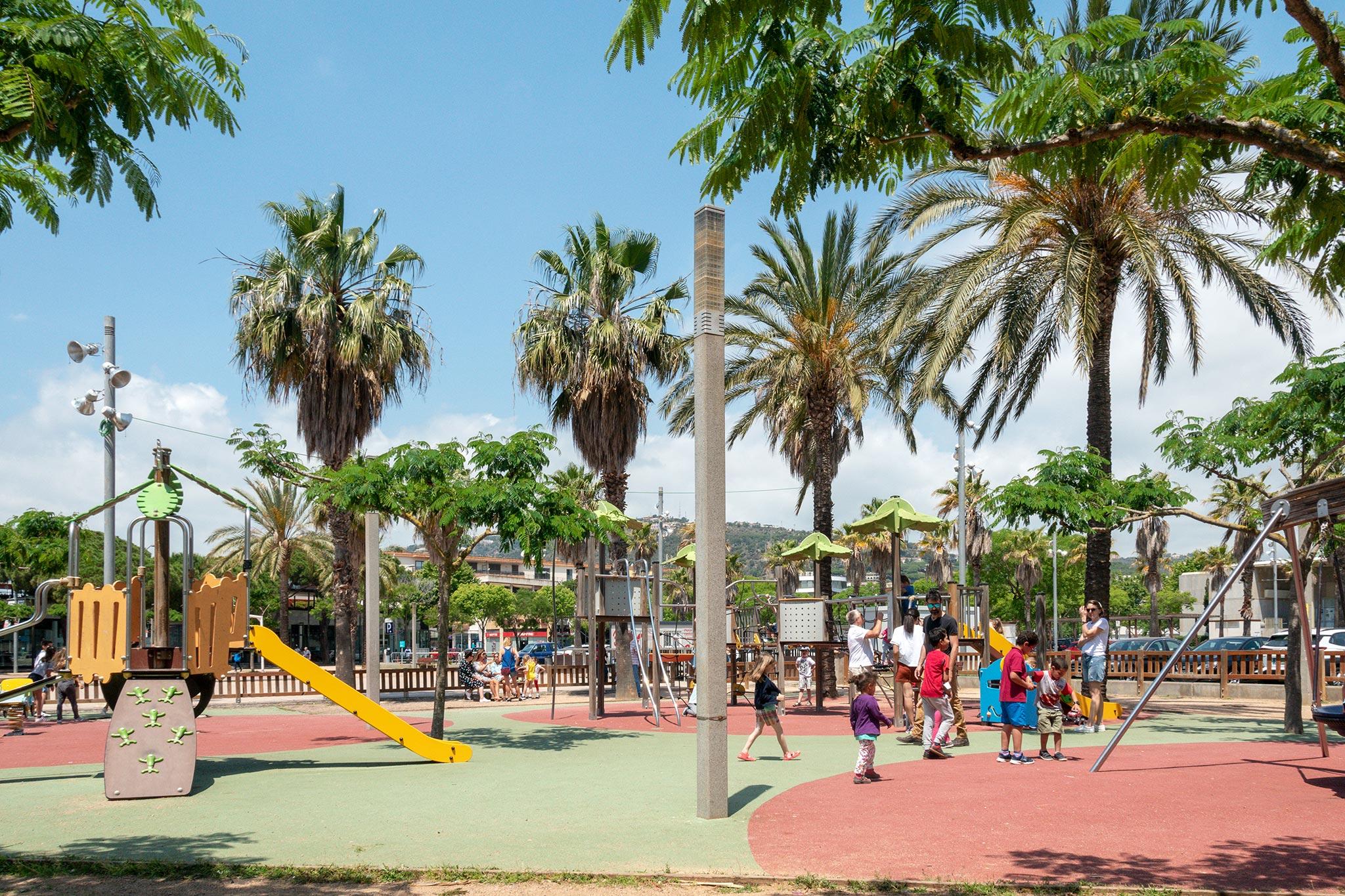 Leikkipuisto Platja d'Arossa © Pau Ribas
